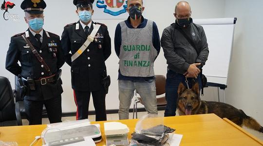 I carabinieri sequestrano 600 grammi di cocaina. Due gli ...
