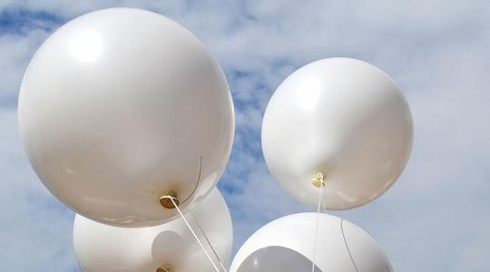 In Trentino sarà vietato liberare palloncini in cielo - TGR Trento