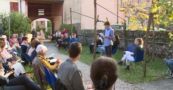 A Pieve di Soligo (Tv) la Luna di Zanzotto 'incanta' gli studenti - TGR Veneto - TGR – Rai