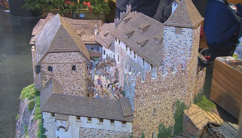 Il diorama di Castel Roncolo nella sede dell\'azienda di soggiorno ...