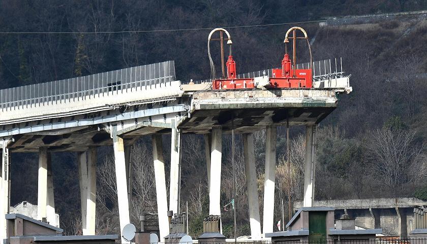 Brücke Genua Gesprengt