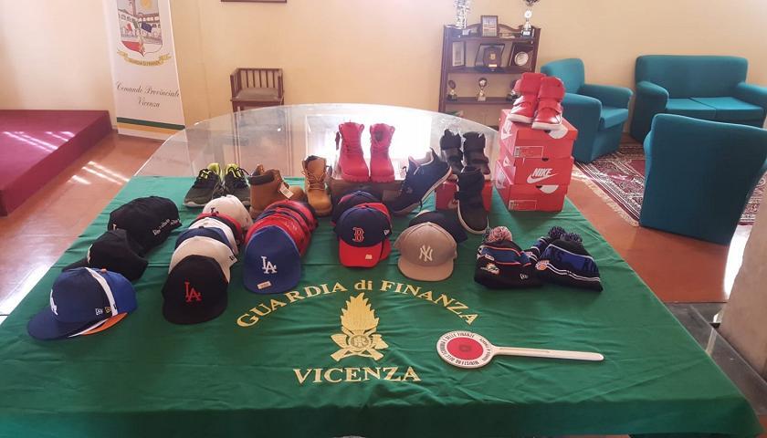 86eaede864 Vicenza: vendevano giubbotti e scarpe firmati, ma era tutto falso ...