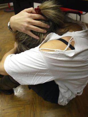 Savona ragazzina violentata nel bagno della scuola - Nel bagno della scuola ...