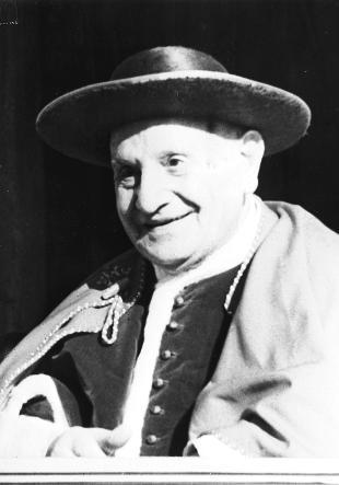 2019 originale stile squisito online Papa Giovanni XXIII ridisegnò il suo copricapo senza sfarzo ...