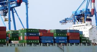 Commercio estero, bene le esportazioni: +2,6 su mese, +11,4 su anno