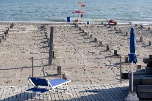 Puglia, quattro ragazze in coma etilico dopo aver passato una notte in spiaggia