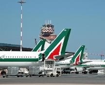 Crisi Alitalia, l'azienda apre dopo le pressioni del governo
