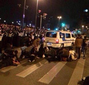 Shanghai: Almeno 35 morti per calca festa di capodanno