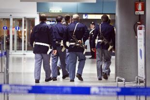 Allarme terrorismo, 30enne con documenti falsi arrestato all'aeroporto di Catania