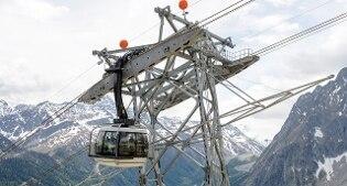 Guasto alla funivia, oltre cento bloccati per ore sul Monte Bianco. Nuvole frenano l'evacuazione