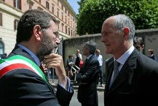 """Marino: """"Con Gabrielli fiducia e stima"""". Il Prefetto: """"Vicenda romana più complessa della Concordia"""""""
