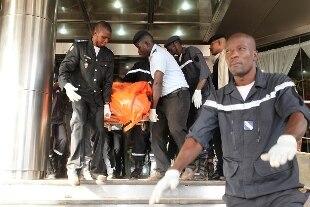 Mali: liberati gli ostaggi nell'hotel di Bamako, 27 morti nell'attacco jihadista. Uccisi 3 jihadisti