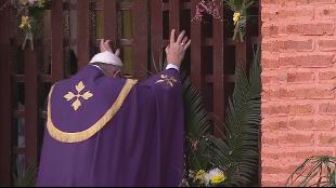 """Il via al Giubileo dal cuore dell'Africa. Papa Francesco: """"Deponete le armi, strumento di morte"""" – Rai News"""