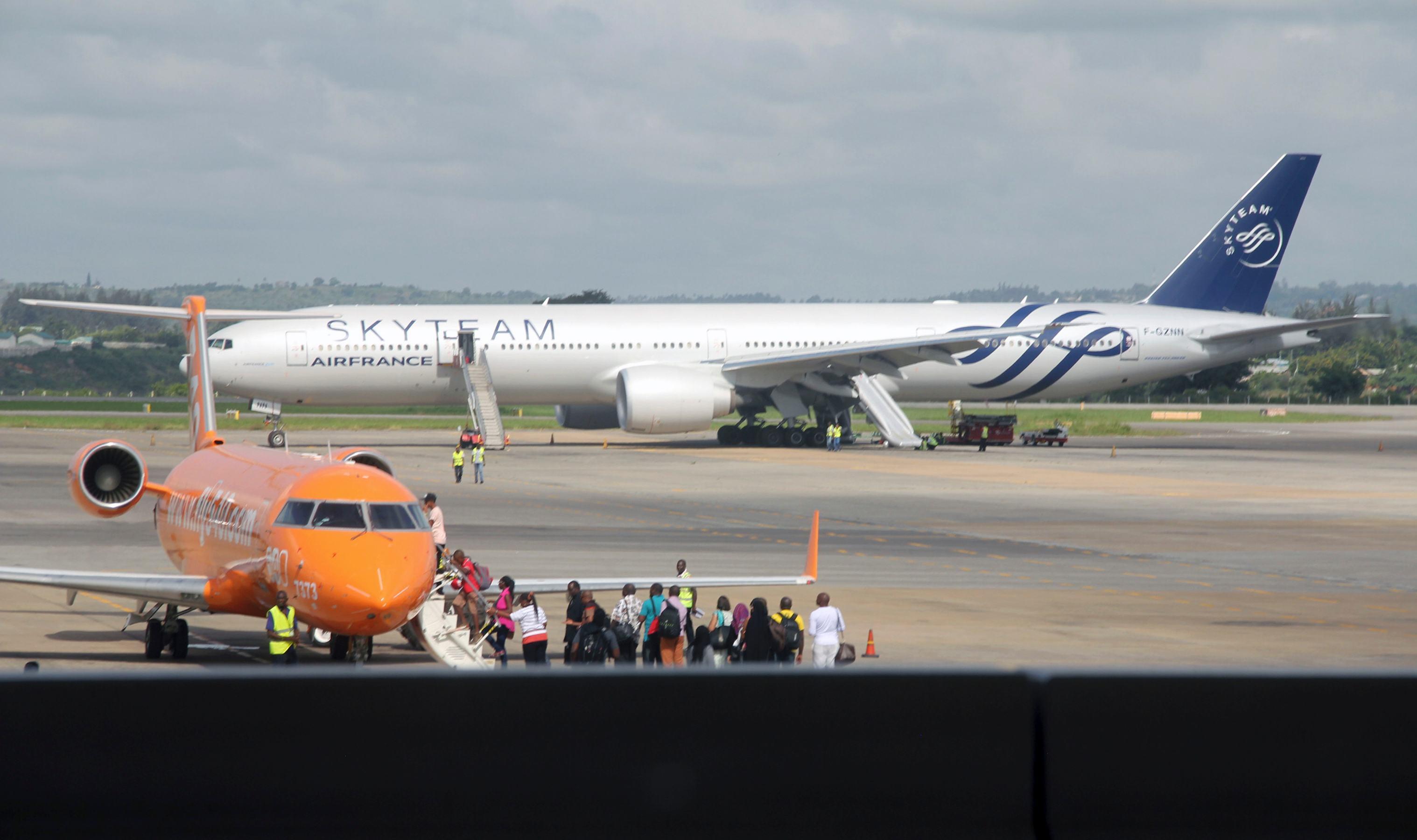 Aeroporto Kenya : Trovata bomba a bordo di un volo air france. evacuate 473 persone
