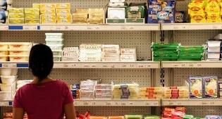 Consumi, Istat: aumentano le vendite al dettaglio. Consumatori: dati lontani dalla realtà