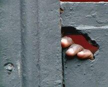 Nigeriane costrette a prostituirsi dopo riti voodoo: 15 arresti