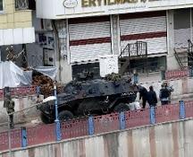 Turchia, nuovo attentato a Diyarbakir. Morti tre soldati turchi