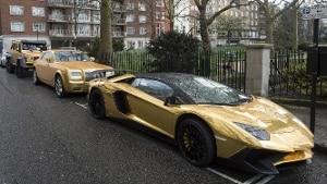 Londra: le cinque supercar ricoperte d'oro del miliardario saudita