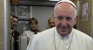 Migranti, Il Papa crea dicastero per lo Sviluppo umano integrale
