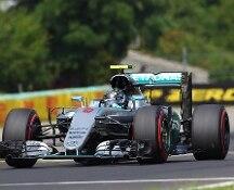 F.1, nel Gp d'Ungheria pole per Rosberg davanti all'altra Mercedes di Hamilton. Vettel quinto