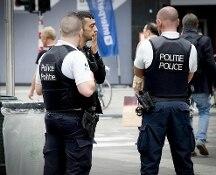 Belgio: rapina a supermercato a Chatelet, tre uomini armati in fuga