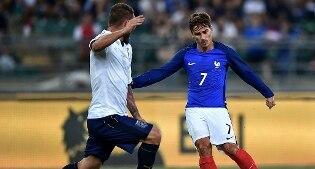 Esordio con sconfitta per l'Italia di Ventura. La Francia vince 3-1 l'amichevole di Bari