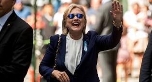 Hillary svela cartella clinica, 'può fare presidente'