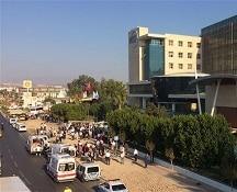 Turchia: esplosione in un parcheggio vicino alla Camera di Commercio di Antalya, 12 feriti