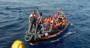 Libia, almeno 22 migranti morti soffocati nella stiva di un barcone sovraccarico