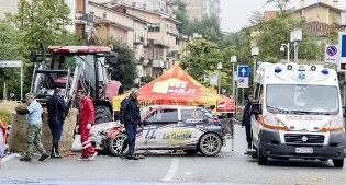 Auto perde il controllo e finisce sulla folla: un morto e otto feriti al Rally di San Marino