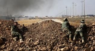"""Iraq, l'avanguardia curda alle porte di Mosul. Casa Bianca: """"Non siamo noi a guidare l'offensiva"""""""