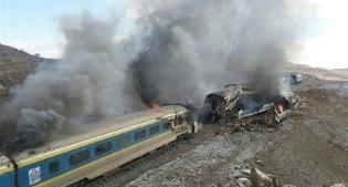 Collisione fra due treni in Iran decine di vittime
