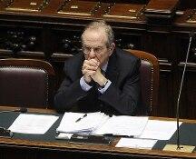 Governo, il ministero dell'Economia smentisce le voci su possibili dimissioni di Padoan: assurde