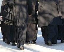 Orge in canonica: non solo don Andrea,coinvolti anche altri preti. La Curia passa il fascicolo ai pm