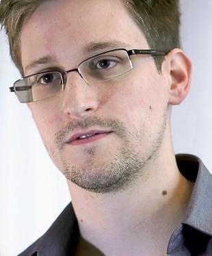 La Russia proroga il permesso di soggiorno a Edward Snowden - Rai News