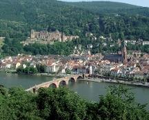 Investe con l'auto la folla a Heidelberg e fugge. Tre feriti. L'aggressore ferito e catturato