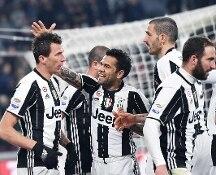 Serie A. Alla Juve basta un tempo per continuare a volare. Empoli ko 2-0 allo Stadium