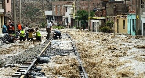 Perù, alluvione colpisce Lima, inondazioni e frane (AP/Martin Mejia)