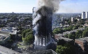 Londra decine di dispersi nella torre distrutta dal rogo for Piani di cabina della torre di fuoco
