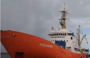 Migranti, svolta di Salvini: porti italiani chiusi, stop a nave con oltre 600 persone, approdi a Malta non Italia