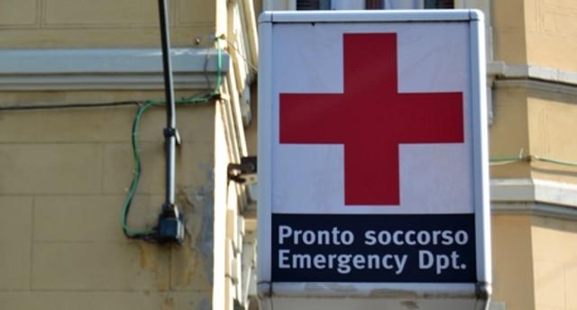 Milano, aggredito con spray al peperoncino e acido da una donna: grave 28enne - Rai News