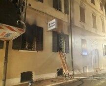 Rogo nella sede della polizia di Mirandola, nel Modenese, 2 morti, 2 feriti gravi e 16 intossicati