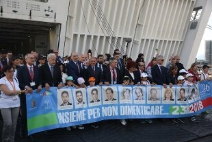 """Mattarella: """"Repubblica si inchina alle vittime"""". Bonafede: """"Stato ha dovere di accertare verità"""" – Rai News"""