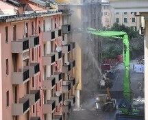 Genova, al via l'abbattimento delle case sotto Ponte Morandi