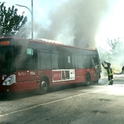 Roma: due autobus in fiamme (Ansa)