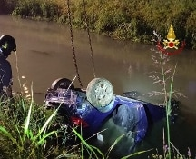 Jesolo, auto in un canale: un fermo per omicidio stradale