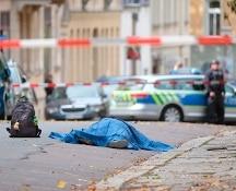 Germania, attacco con mitra e granate davanti a sinagoga di Halle. Due morti e due feriti gravi
