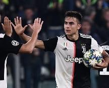 La Juve ribalta il Cska Mosca, Atalanta travolta a Manchester