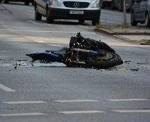 Morì in incidente con la sua moto. Si trattava di gare clandestine. Arrestate due persone