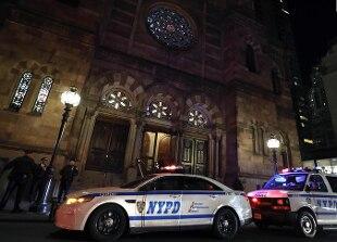 Attacco in casa di un rabbino a New York con un machete, 5 feriti. Fermato un sospetto - Rai News